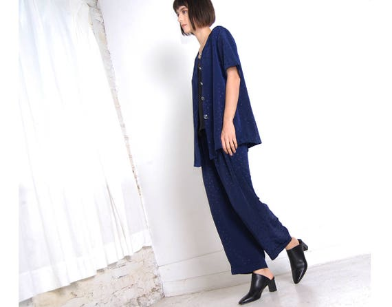 slinky 90s navy pant suit