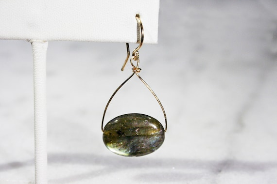 Labradorite Dangle Earring // Sterling Silver, 14k Gold Filled or 14k Rose Gold Filled