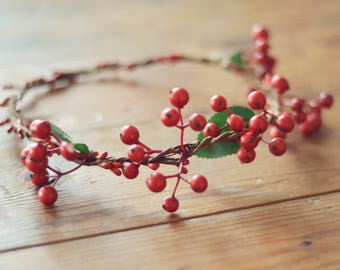 THE BERRY - Red Berry Crown Christmas Wreath Woodland Rustic Circlet Bride Winter Wedding Romantic Elegant Cute Flower Girl Valentines Gift