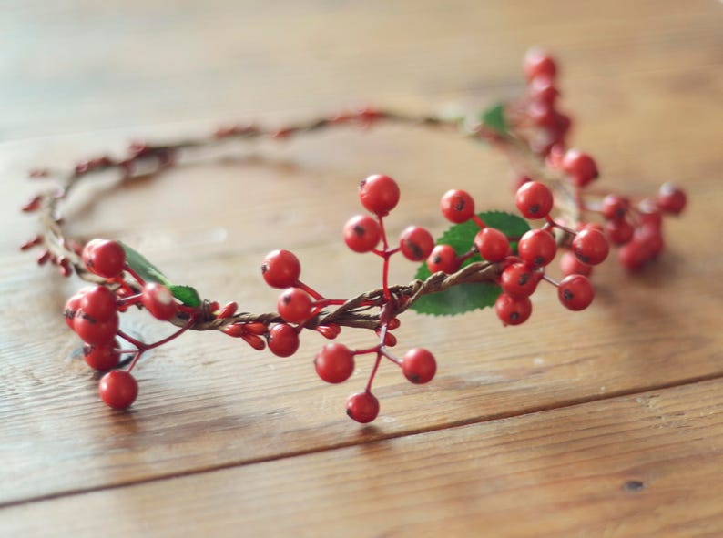 THE BERRY  Red Berry Crown Christmas Wreath Woodland Rustic image 0