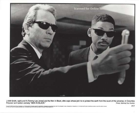 Men In Black J Will Smith K Tommy Lee Jones 8x10 Photo