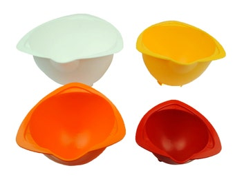 Stackable Children's Baking Mixing Bowls with Pouring Lip, Set of 4, Bright Colours. (S7364) Free UK Postage