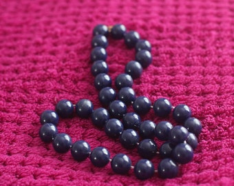 navy blue beaded necklace, vintage necklace, womens jewellery, gold metal clasp, retro jewelry, costume jewellery, round necklace, retro