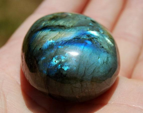 Flash Labradorite stone Madagascar, 43 grams, Polished Palm Stone