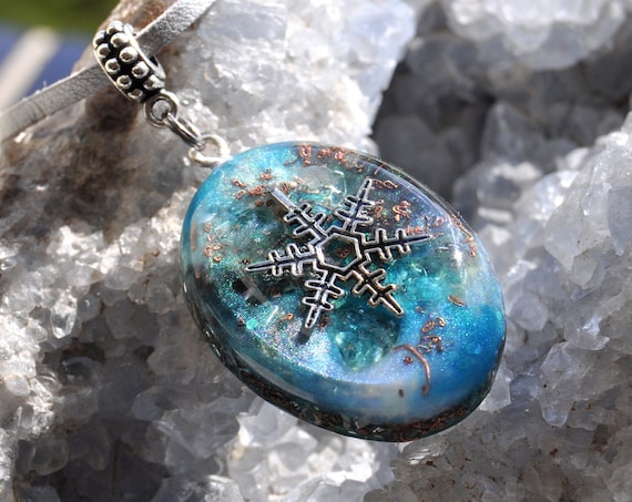 Blue Tourmaline Orgonite® Orgone Pendant, Indicolite Crystals Necklace - FREE Shipping !