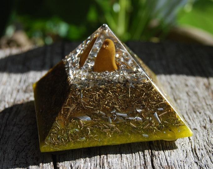 FREE Shipping ! Orgonite® Pyramid  Cheops Giza with Yellow Jasper