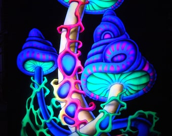 AIRBRUSH UV Funghi Shrooms Wall Hanging