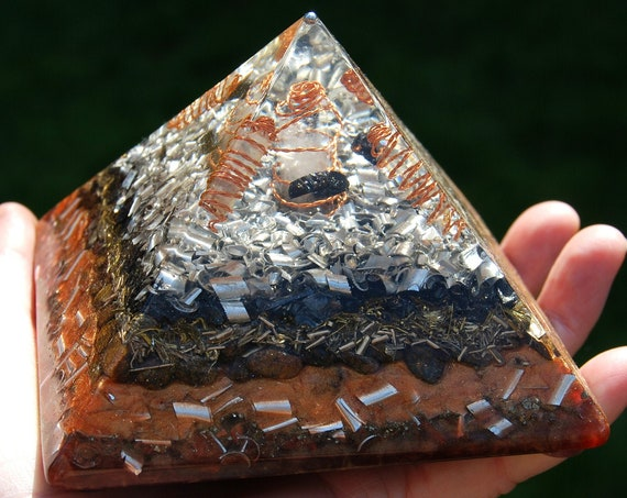Powerful Orgonite® orgone GIZA Pyramid with lots of Metal Shavings and 24K Gold, 606 grams