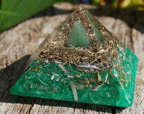 Aventurine Giza Orgonite® Pyramid Small - Free Shipping !