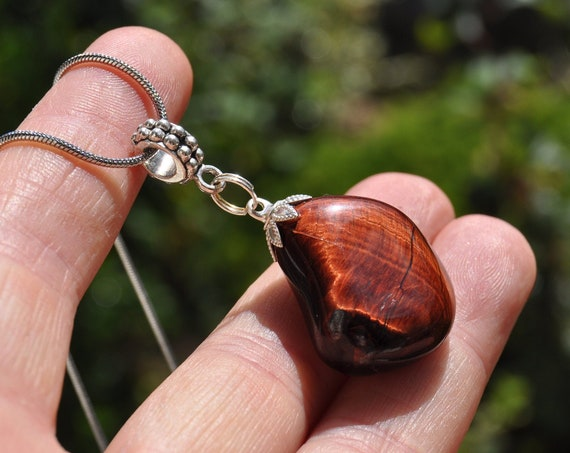Red Tigers Eye pendant Necklace - FREE Shipping !