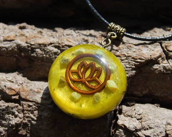 Green OPAL Orgonite® Necklace with Lotus