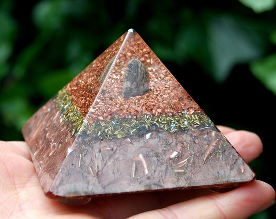 Orgonite® Pyramid with Leopard Jasper Cheops Giza Purple Small