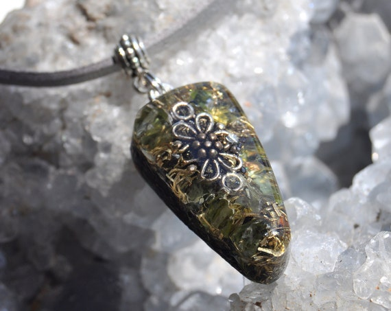Green Peridot Orgonite® Pendant Necklace Unisex