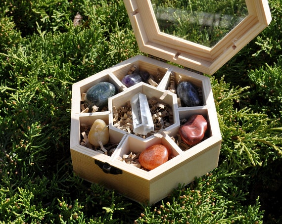 Chakra SET Giftbox with 7  Polished Gemstones in Hexagon Wood Box with Glass Lid