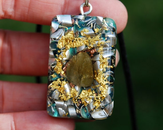 Orgonite® Men's Pendant Necklace with Labradorite and 24K Gold