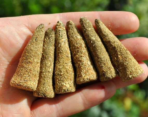Palo Santo, Opoponax and Mugworth Incense Cones for Cleansing and Relaxing, All natural Homemade -  Lot of SIX