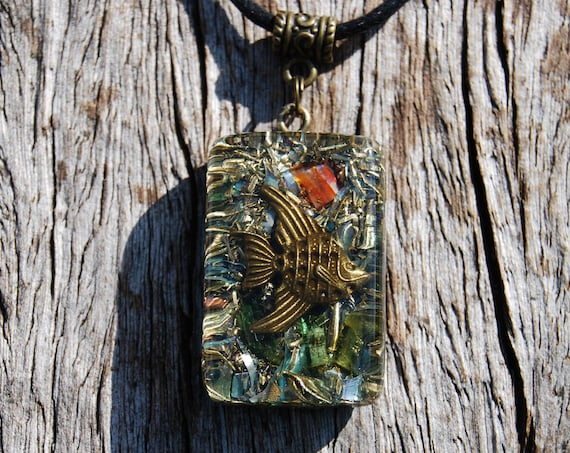 Angelfish Orgonite® Pendant with green Tourmaline and Carnelian Agate Unisex