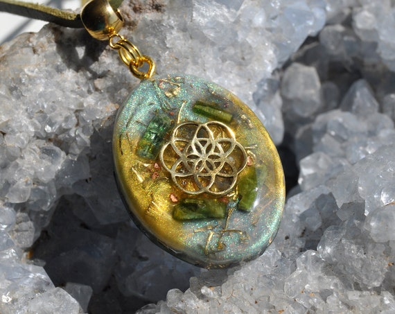 Seed of Life Orgonite® Necklace with green Tourmaline crystals - FREE Shipping !