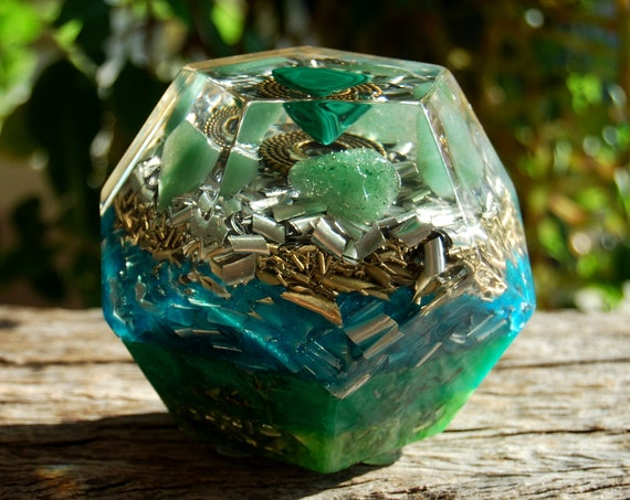 Large Dodecahedron Orgonite®  with Malachite and green Aventurine - 525 grams = FREE Shipping !