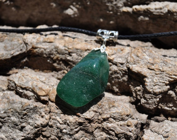 Green Aventurine pendant on adjustable Cord Necklace - FREE Shipping !