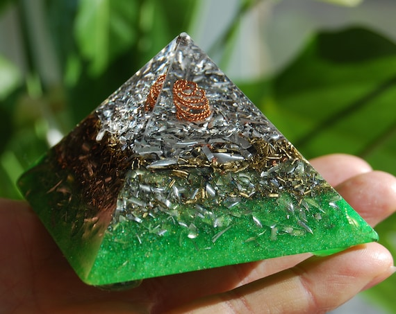 Giza Orgonite® Pyramid Small, Clear Quartz Crystals Copper Coil