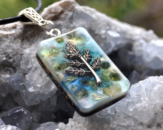 Peridot Orgonite® Orgone Pendant Necklace with LEAF