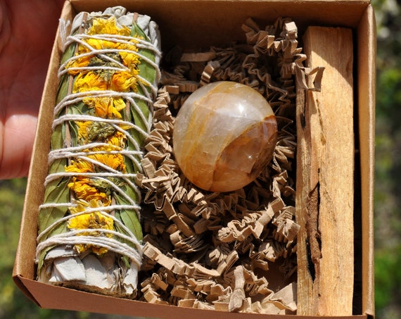 GOLDEN HEALER - White Sage Sunflower + Limonite Quartz + Palo Santo Smudging Set - Raise Your Vibration - Free Delivery !