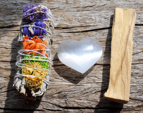 HEALING & CLEANSING Floral White Sage + Selenite Heart + Palo Santo Smudging Set, Energy Purification