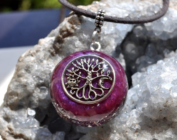 Green Tourmaline orgone Orgonite® pendant Necklace with Tree of Life with Sun and Moon - BALANCE