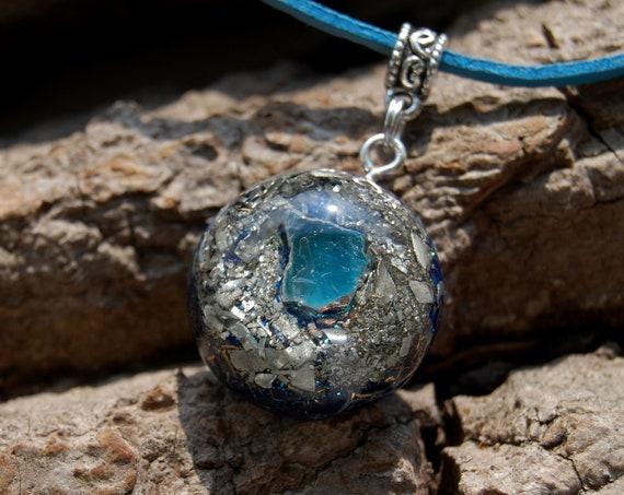 Raw blue Apatite Orgonite® Pendant Unisex