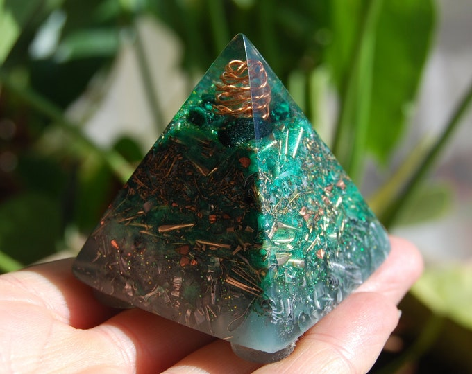 Malachite Orgonite®Pyramid Orgone Protection