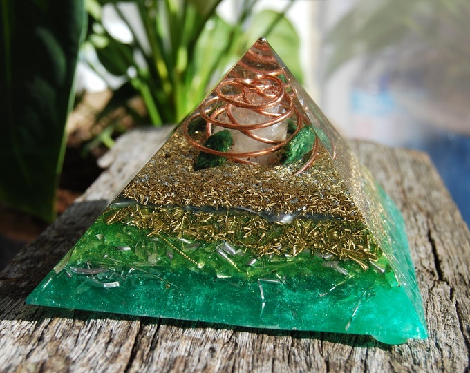Raw Fuchsite Orgonite® orgone Pyramid
