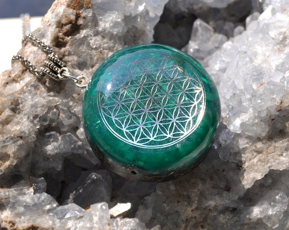 Flower of Life Orgonite® Pendant with Labradorite Necklace Unisex - FREE Shipping !
