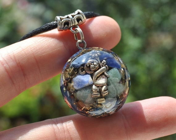 Cute BEAR Orgonite® with green Aventurine and Sodalite Necklace