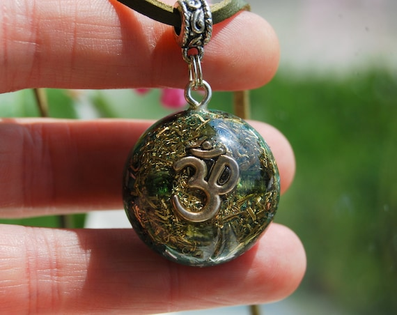 AUM Orgonite® Pendant with green Tourmaline Crystals Unisex