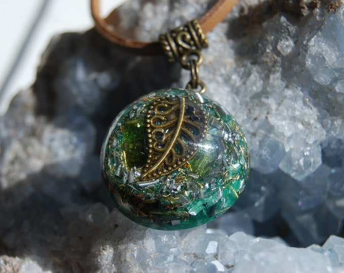Green Tourmaline Orgonite® Pendant LEAF Necklace