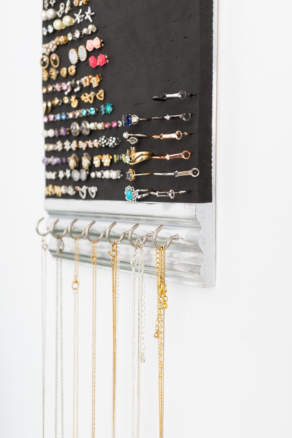 Hanging Jewelry Organizer - Silver Molding Frame - Necklace - Ring ...