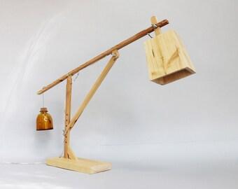 Lampada da tavolo regolabile in legno. lampada di design ad etsy