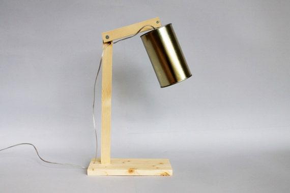 Lampada da tavolo in legno e materiali riciclati con braccio etsy