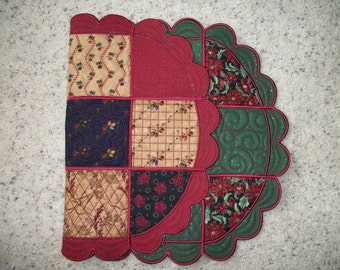 Reversible 24-inch table runner or centerpiece