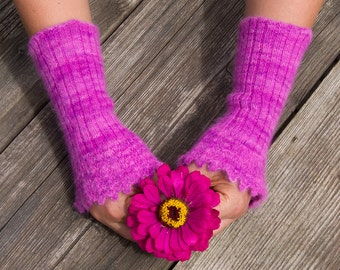 Lacy Arm Warmers Bright Rose. Knitted from original Angora PURE LACE. Seidenhase.