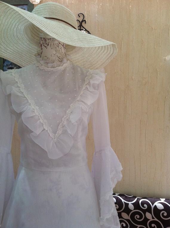 Vintage boho wedding dress-Vintage 70s White Weddi