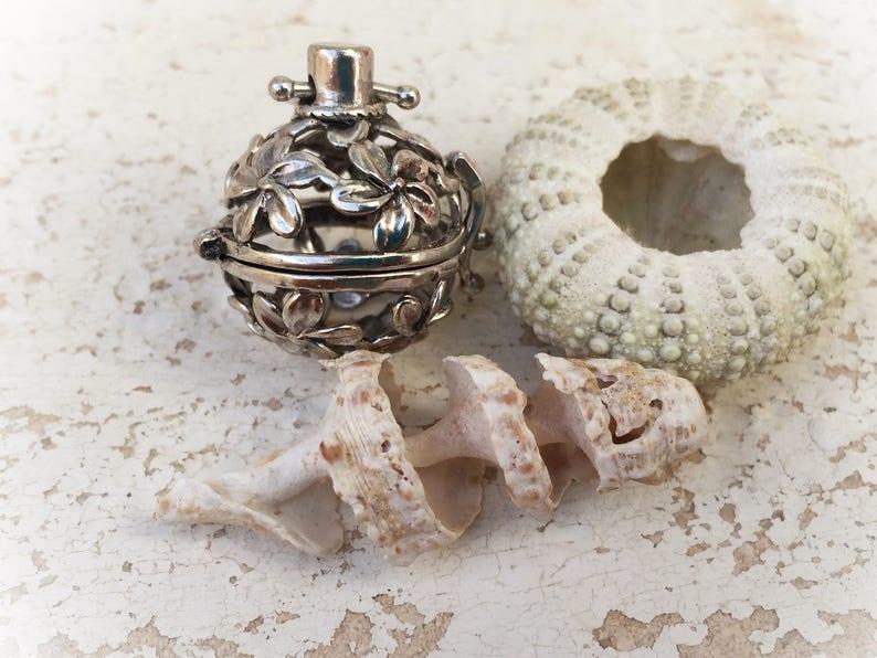 retro poison pendant Boho poison locket flower locket-vintage wedding-poison box necklace-retro pill box necklace boho chic-retro pendant
