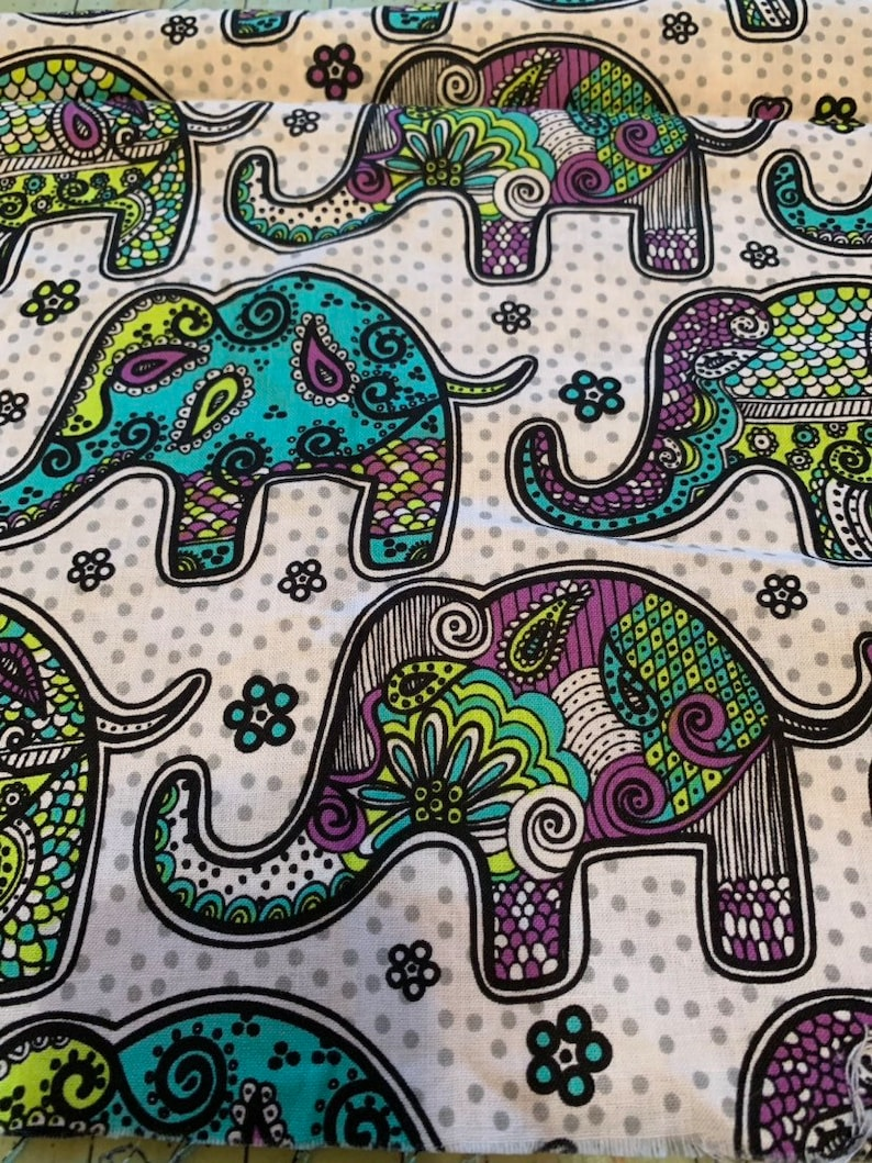Elephants Pink Fabric Remnant 100/% Cotton