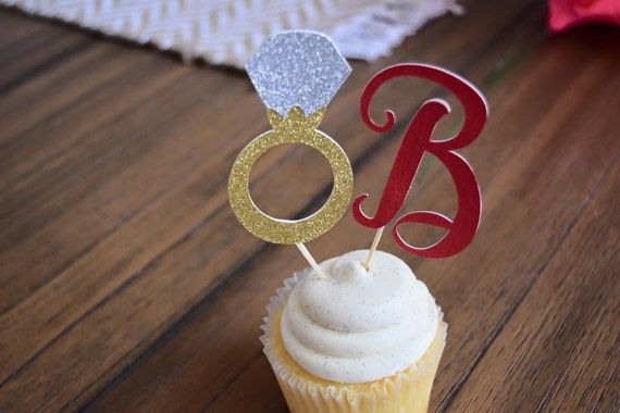 Ring cupcake toppers