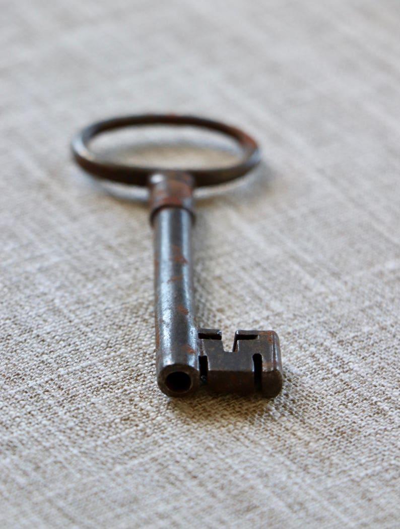 Antique Metal Lock Key Vintage Metal Skeleton Key