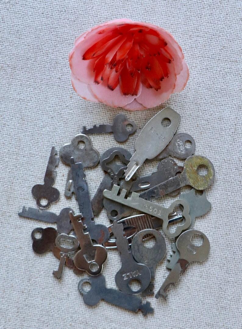 Small Flat Keys Vintage Mixed Lot of 22 Metal Lock Keys Flat Skeleton Keys Unique Shaped Keys