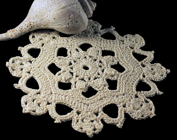 Crochet Doily, Round, Mini Doily, Ecru, Natural, Small, Crochet Mat, Crochet Lace