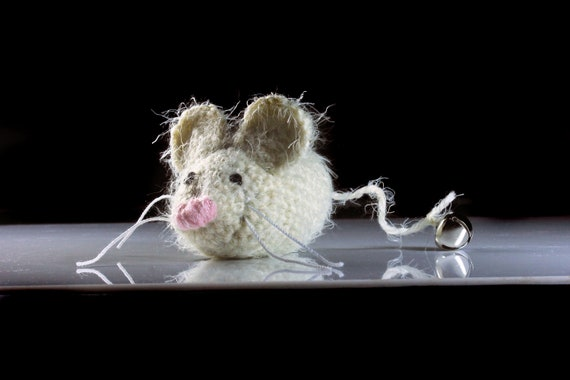 Catnip Toy Mouse, Mouse With Bell, Fuzzy Mouse Toy, Winter White, Crocheted, Pet Toy, Organic Cat Nip, Pet Accessory