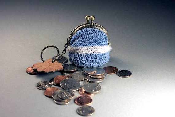 Crochet Mini Coin Purse, Blue and White Coin Purse, Hand Tooled Leather Key Chain, Kiss Closure, Metal Goldtone Frame, Key Fob Purse Combo